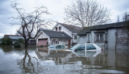 پاکسازی اماکن مسکونی بعد از سیلاب