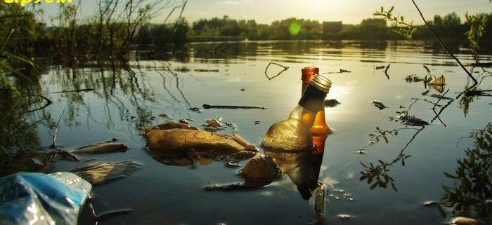 آلودگی رودخانه ها و دریاچه ها